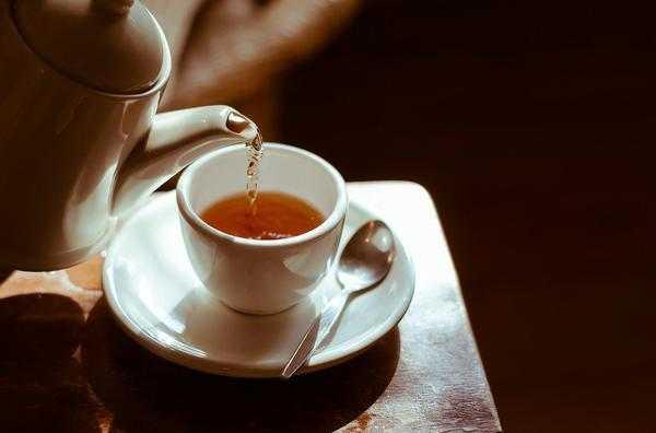 czarne herbaty liściaste